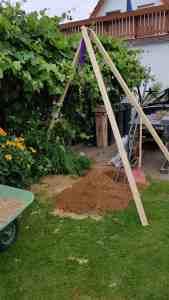 Brunnen bohren Dreibein bauen Bohrgestell