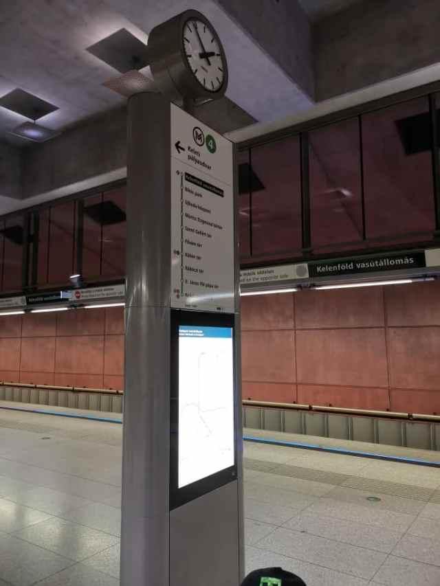 Zug fahren in Ungarn