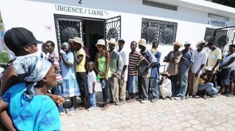 Les malades affluent aux urgences de Port-au-Prince. AFP