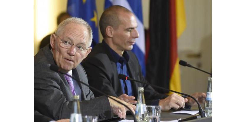 Le ministre grec des Finances Yanis Varoufakis et son homologue allemand Wolfang Schäuble lors d'une conférence de presse à Berlin, le 5 février 2015<br />  (c) Afp