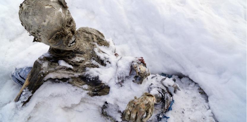Les restes d'un des deux grimpeurs emportés par une avalanche il y a plus d'un demi-siècle. © HILARIO AGUILAR / CHALCHICOMULA TOWN COUNCIL / AFP