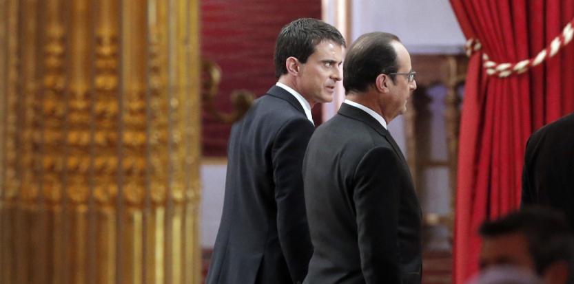 François Hollande et Manuel Valls, après la conférence de presse présidentielle le 5 février 2015. (FRANCOIS MORI / POOL / AFP)