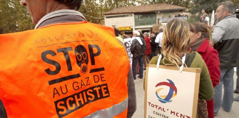 Une manifestation contre les gaz de schiste en octobre 2011. (AVENTURIERPATRICK/SIPA)