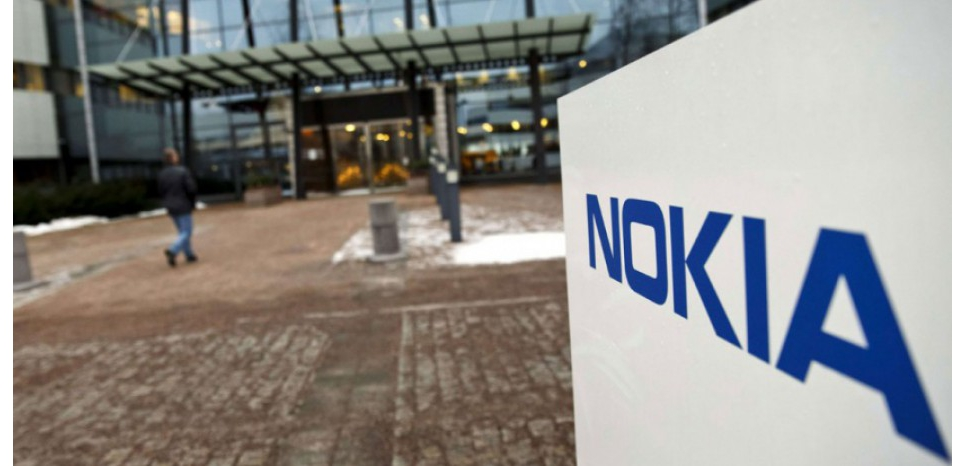 Devant le siège de Nokia à Espoo (Finlande) (Roni Rekomaa/AP/SIPA)