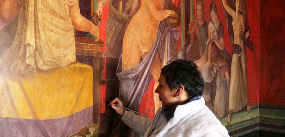 Restauration des fresques dans le triclinium de la villa des mystères à Pompéi. ©MIBACT