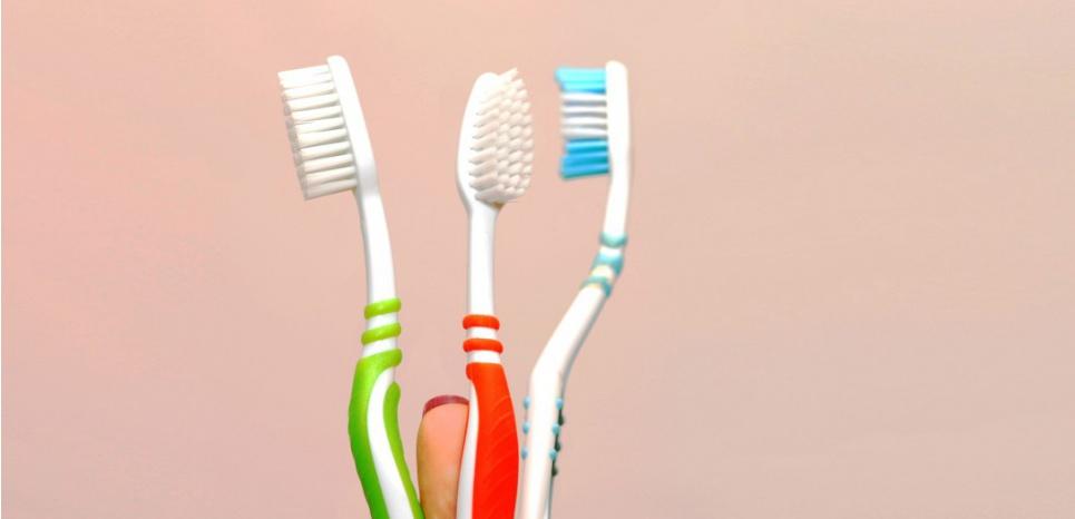 Les brosse à dents sont un nid à bactéries fécales. ©Romain Fellens / DPA / dpa Picture-Alliance/AFP