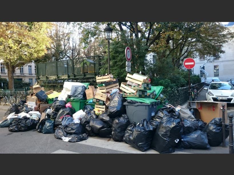 PHOTOS. Grève des éboueurs : les ordures s'entassent à Paris