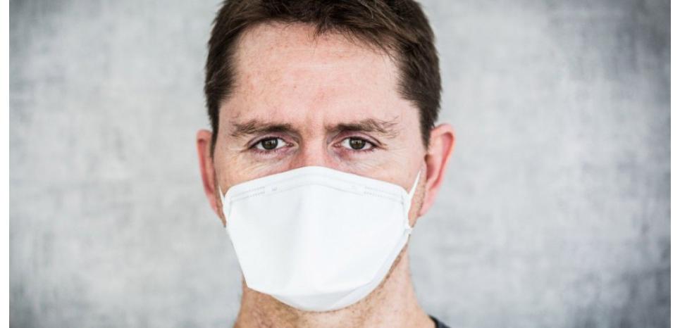 La grippe est très contagieuse et se transmet entre personnes par les sécrétions respiratoires lors d'éternuements ou de toux. GARO / Phanie /AFP