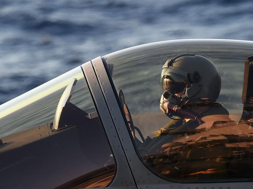 PHOTOS. Le Charles de Gaulle entre en guerre contre Daech