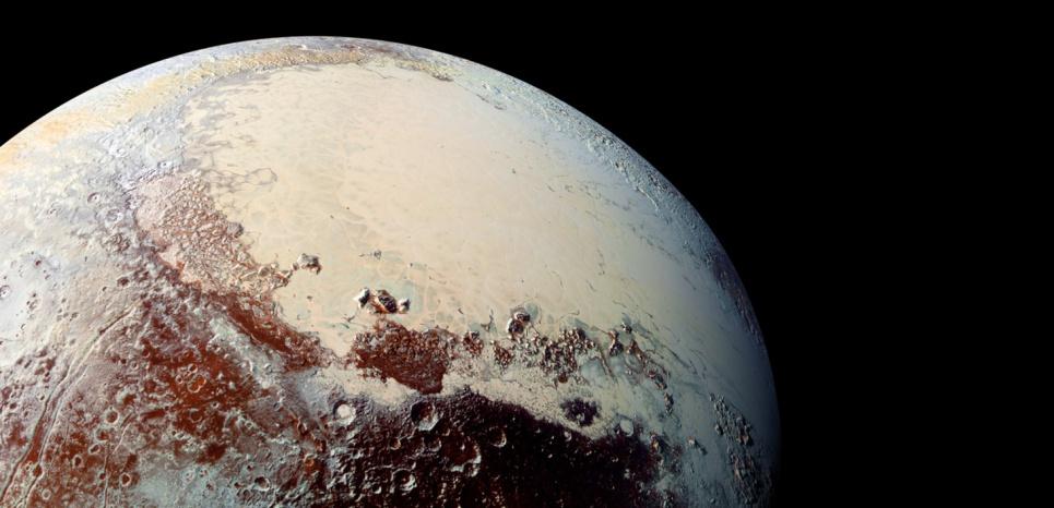 Parmi les événements marquants de l'année 2015, le survol de Pluton par la sonde américaine New Horizons à 4,7 milliards de kilomètres de la Terre. ©HO / NASA / AFP