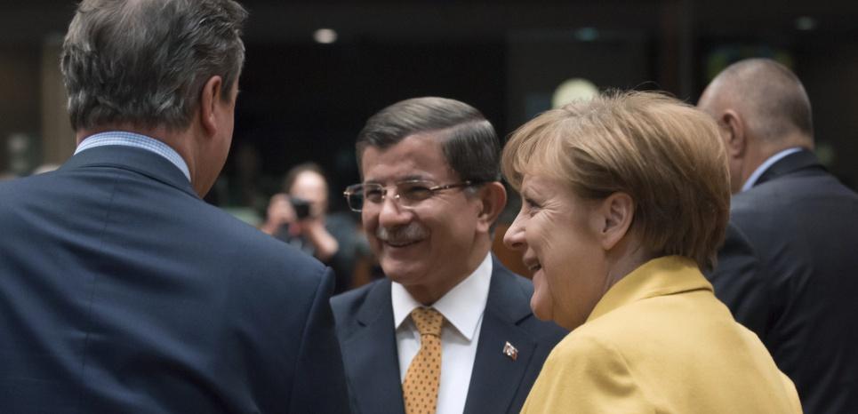 Crise migratoire : la Turquie s'engage à reprendre tous les nouveaux migrants