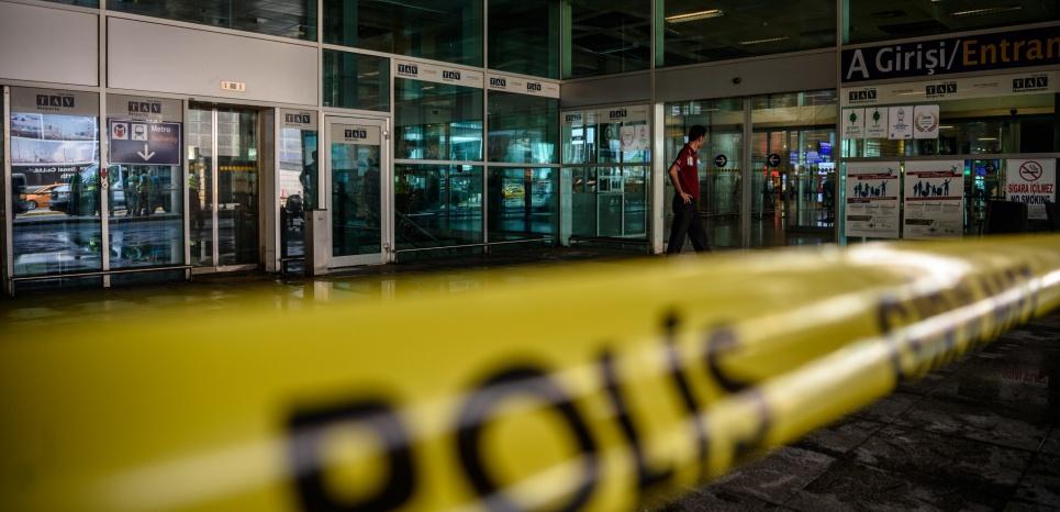 EN DIRECT. Attentat à Istanbul : les services de renseignements turcs au courant de la menace ?