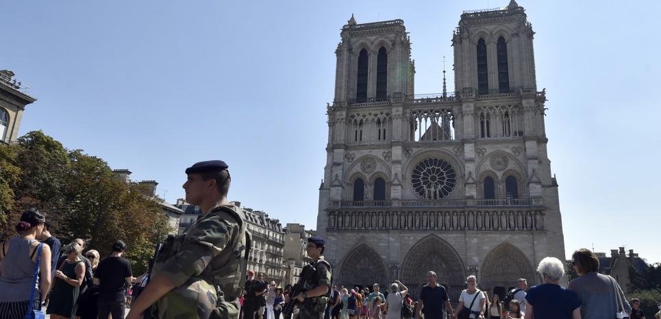 Bonbonnes de gaz dans une voiture à Paris : un deuxième couple en garde à vue