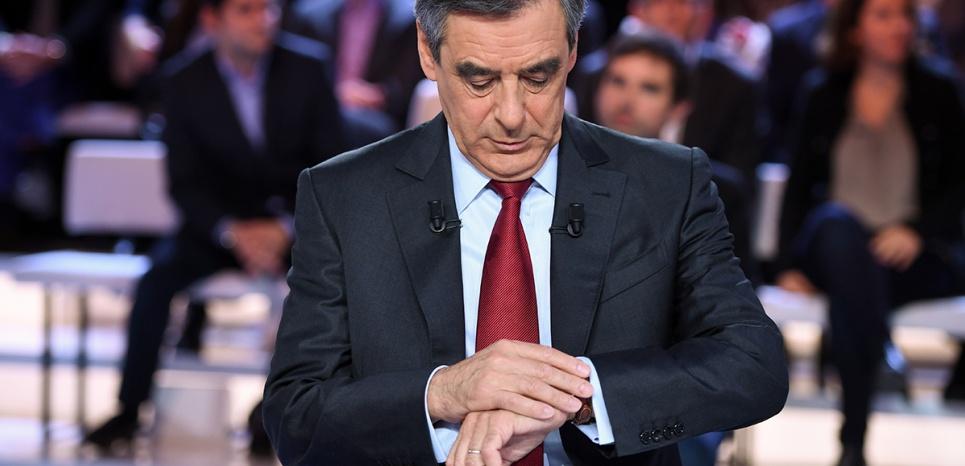 """Une montre à 10.000 euros offerte à François Fillon ? Un cadeau """"désintéressé"""""""