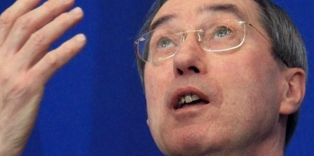 Le ministre de l'Intérieur, Claude Guéant s'exprime lors d'une conférence de presse, le 5 janvier 2012 à Paris (PIERRE VERDY / AFP)