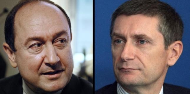 Bernard Squarcini et Frédéric Péchenard JACQUES DEMARTHON STEPHANE DE SAKUTIN / AFP