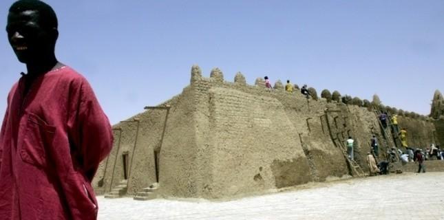 Les mausolées de Tombouctou détruits les uns après les autres (AFP / ISSOUF SANOGO)