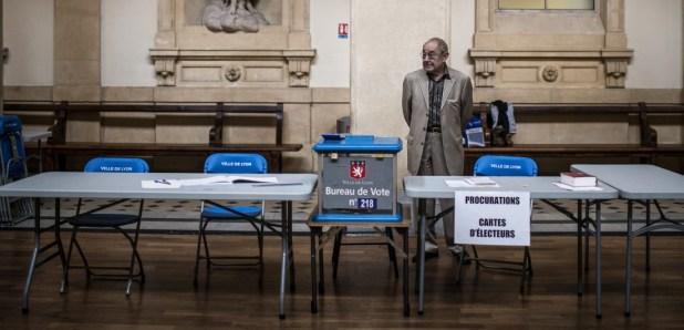 7352838 Européennes : le triomphe du FN, un choc pour la classe politique selon Valls