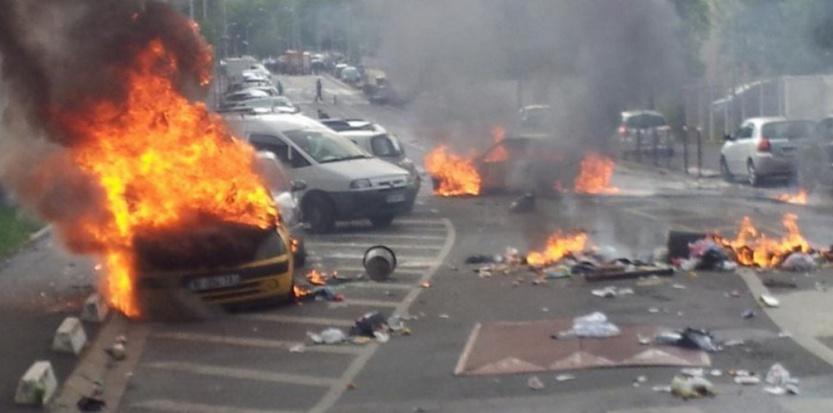 Un manifestation pro-palestinienne a dégénéré à Sarcelles (Val-d'Oise) dimanche 20 juillet. Capture d'écran(Twitter/dom_albertini)
