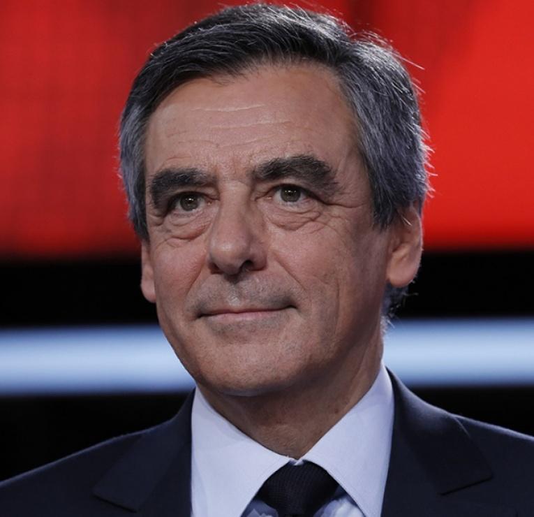 """Un """"cabinet noir"""" à l'Elysée ? Fillon pris en flagrant délit de complotisme"""