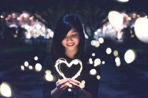 Wees lief voor jezelf, vrouw met hart
