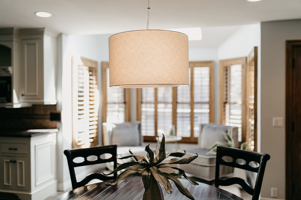 Light fixture in traditional dining area