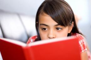 girl_reading_medium