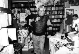 Albrecht/d. bei der Eröffnung der Werksausstellung der reflection press am 07.05.1988 bei Buch Julius, Stuttgart