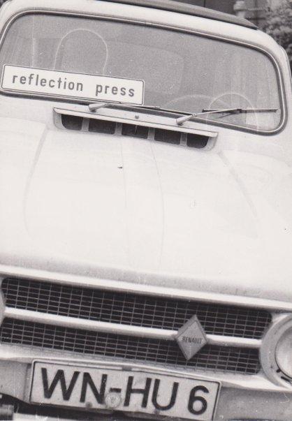 Auto von H.R.Decker mit Schild, Sammlung Decker