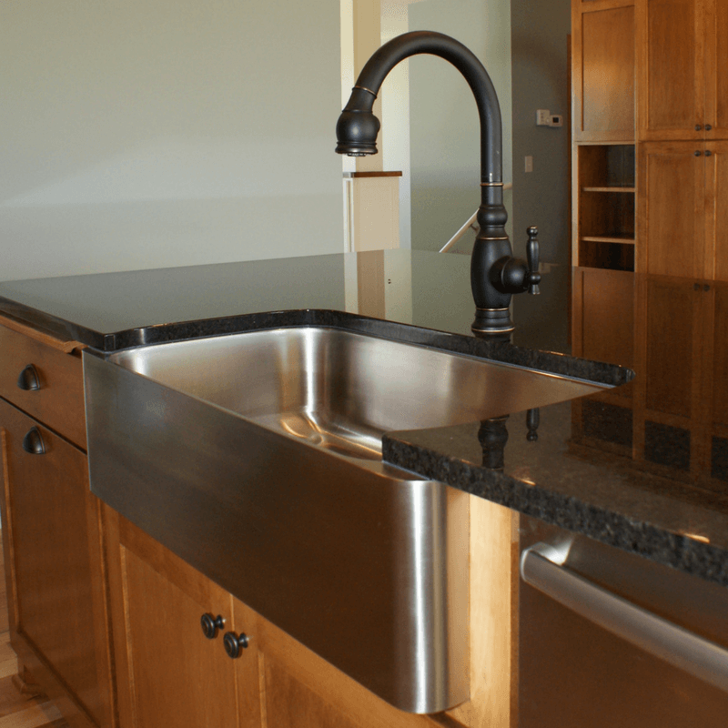 Farmhouse Sinks With Exposed Apron Reflections Granite