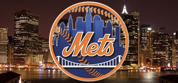New York Mets logo and Manhattan skyline