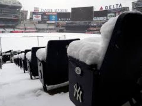 Snowbound Yankee Stadium (Photo: New York Daily News)