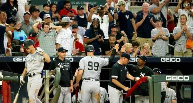 Yankees streak soars to ten