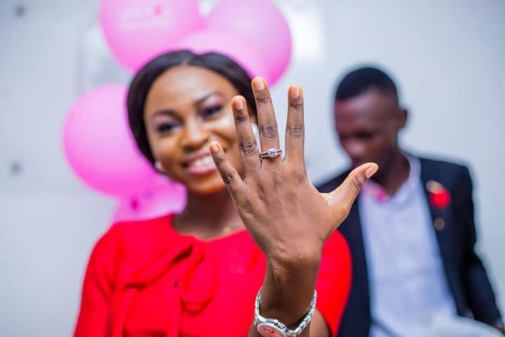 Win 25k today, Just give an headline to this photo in #ShopWithTacha