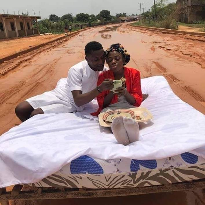 Man and His Newly Wed Celebrates Honeymoon on Road [Photo]
