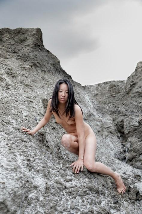 Nu-en-exterieur-Lila-02