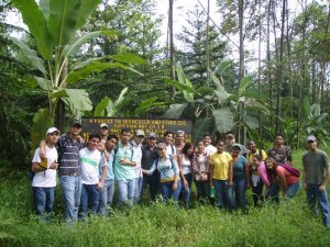 Students from EARTH University visit RTT Forests