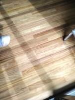 Nuevo suelo madera acuchillado