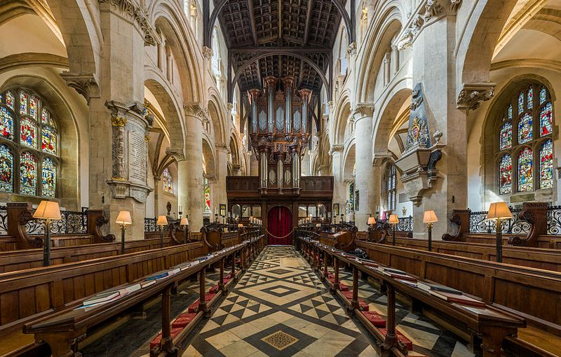 Christ_Church_Cathedral_Interior_1,_Oxford,_UK_-_Diliff