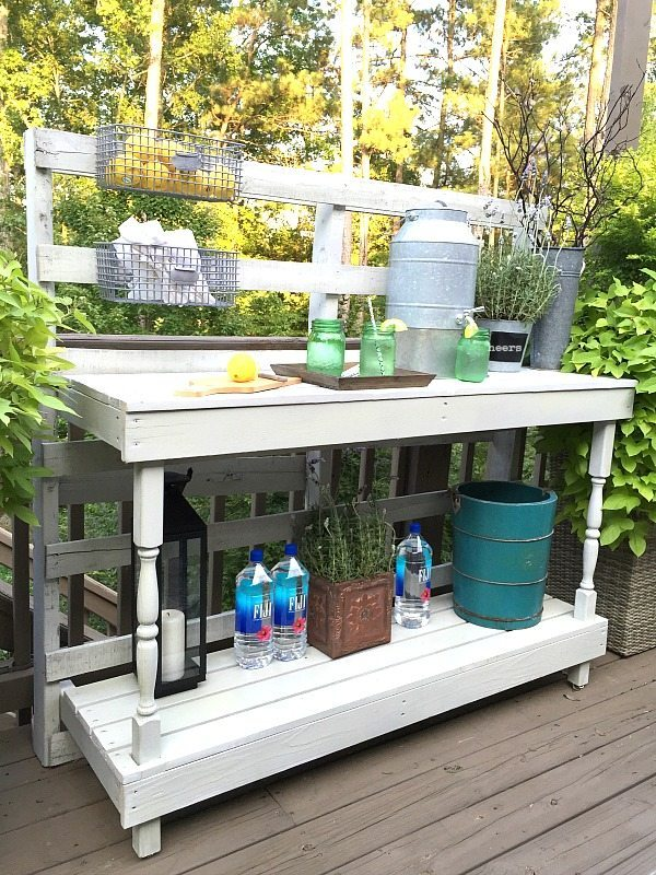 Pallet Potting Table by Refresh Restyle