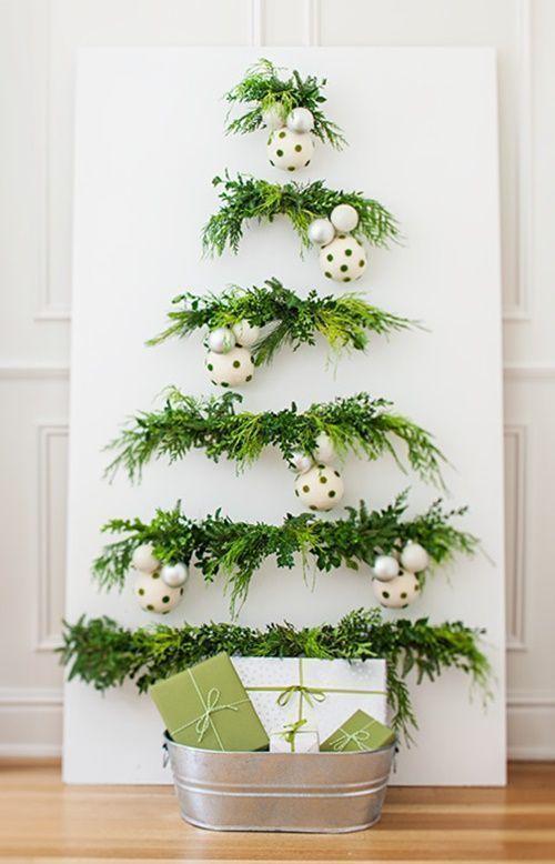 3 ideas de rboles de navidad originales y que no ocupan atrvete con ellos 1 - Rboles De Navidad Originales