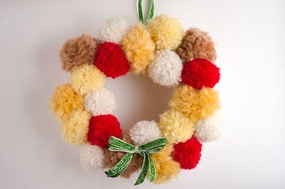 Coronas de adviento DIY con pompones de lana 1