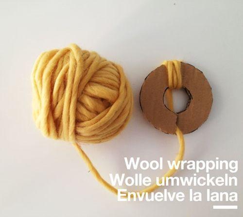 Coronas de adviento DIY con pompones de lana 10