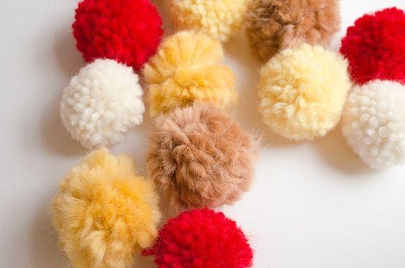 Coronas de adviento DIY con pompones de lana 5