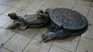 Life Underground - Sewer Gator