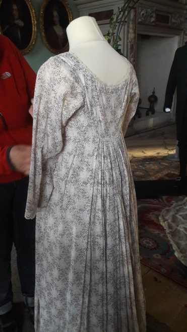 Dressing Emma Thompson´s miss Elinor Dashwood in her wedding finery, We all agreed that this printed muslin dress is beautifully executed.