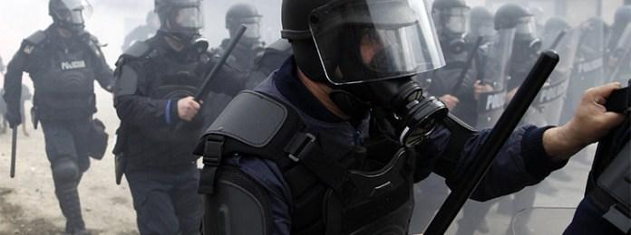 La-Policía-israelí-desaloja-la-Explanada-de-las-Mezquitas-con-granadas-aturdidoras-750x280