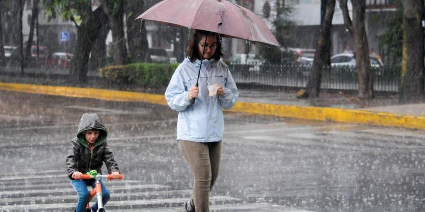 lluviaciudad55 1200x600 - Esperan chubascos y granizo en algunos estados del país
