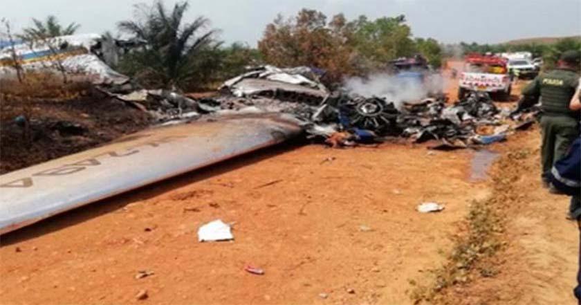 Avión se desploma en Colombia mueren 12 personas - Avión se desploma en Colombia, mueren 12 personas