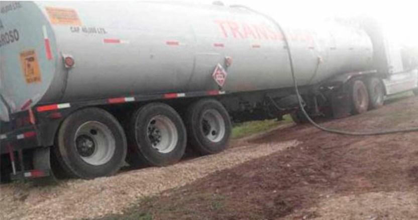 FGR halla 51 litros de combustible ilegal en 2 pipas en Jalisco  - FGR halla 51 mil litros de combustible ilegal en Jalisco